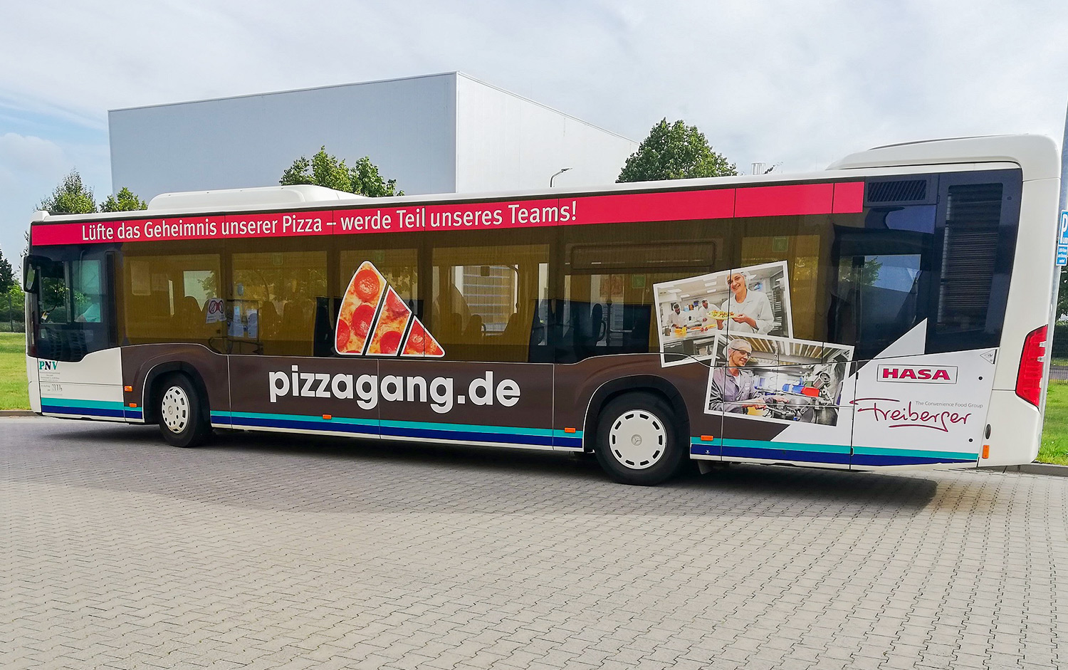 02_fb_pizza-bus_1500px-wide.jpg